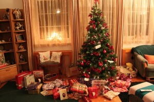Favim.com-bedroom-beutiful-christmas-christmas-tree-614381