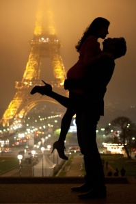 couple_by_the_eiffel_tower-4739_large